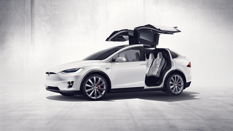 Tesla x portes papillon